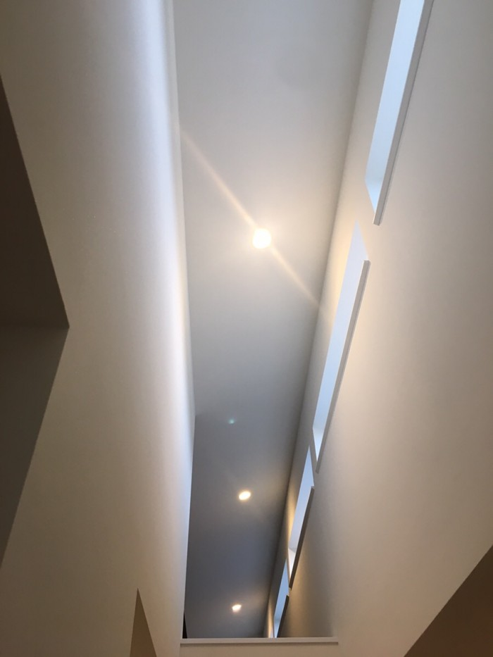 南側の天窓のおかげで明るい!